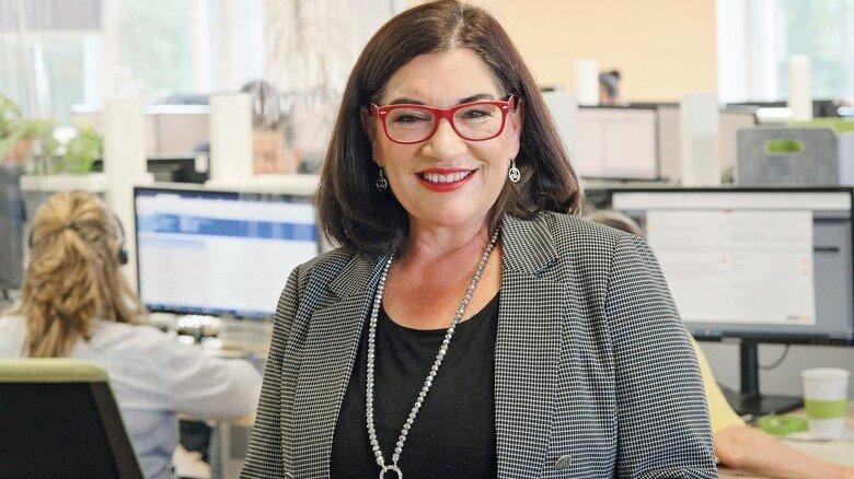 """""""Wir haben kaum einen Mitarbeiter, der nur eine Sprache kann"""", sagt Vertriebsexpertin Ramona Wolff. Die Spanierin baut das internationale Team des Callcenters weiter aus."""