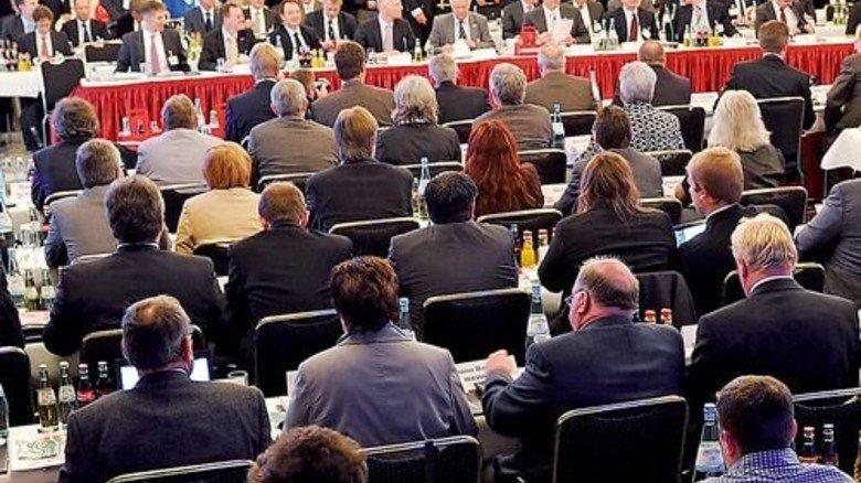 Verhandeln auf Bundesebene: Treffen der Tarifparteien 2012 in Langenhagen, Hannover. Foto: dpa
