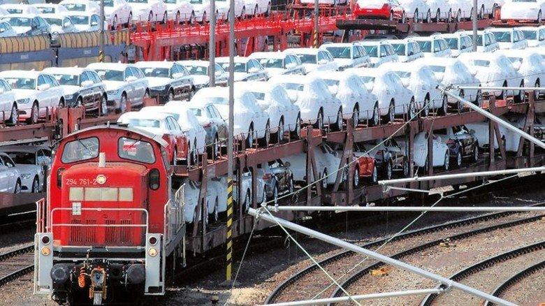 Auto-Transport: Derzeit muss mancher Güterzug große Umwege fahren. Foto: Deutsche Bahn