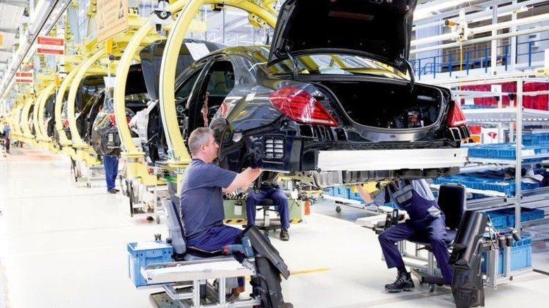 Männerdomäne? Blick in die Autoproduktion am Standort Sindelfingen. Foto: Werk