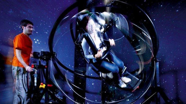 Was für Wagemutige: Astronautentrainer im Kölner Odysseum. Foto: krischerfotografie