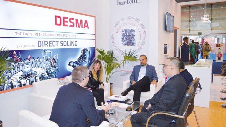 Reger Austausch: Die Mitarbeiter von Desma beim Messe-Gespräch. Foto: Werk