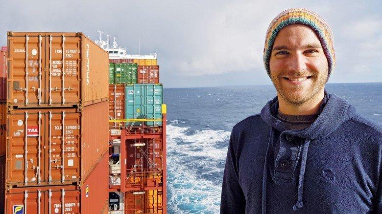Auf hoher See: Torben Sell auf dem Containerschiff.