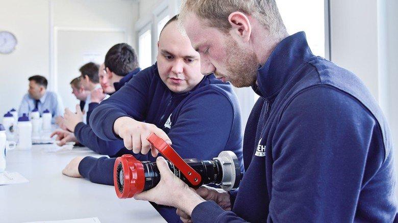 Theorie-Einheit: Am Vormittag befassen sich die Teilnehmer mit Gerätekunde und den Grundlagen ihrer Arbeit bei der Feuerwehr.