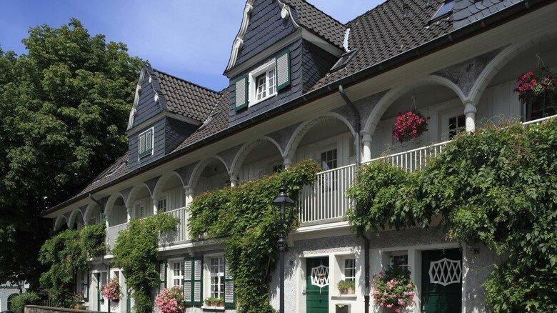 Werkswohnungen der Kruppsiedlung Margarethenhöhe in Essen: Sie gehören zu den schönsten und ersten  in Deutschland, wurden aufwendig restauriert und sind heute bevorzugtes Wohngebiet.