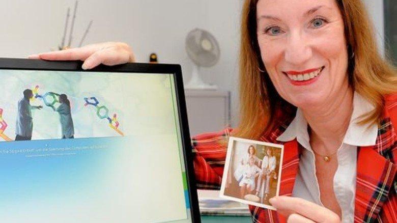 Erinnerung an die Anfänge im Labor: Heute ist Elisabeth Weischenberg Assistentin des Standortleiters. Foto: Wirtz