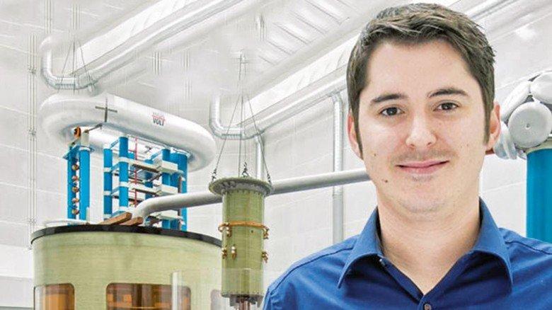 Versuchsleiter: Marco Hörl testet bei der Maschinenfabrik Reinhausen neue Produkte – von der ersten Idee bis zur Serienreife.