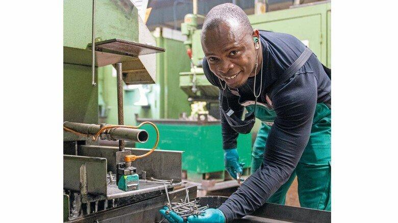 Aboubakar Fofana: Der 25-Jährige ist stolz auf das, was er beruflich erreicht hat – und auf seine kleine Familie.