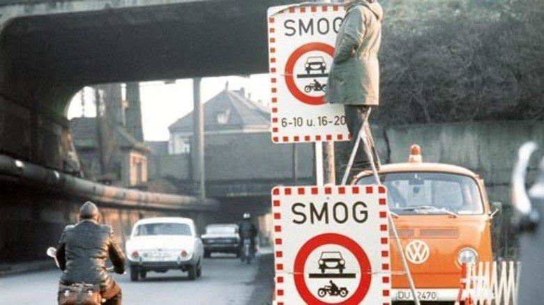 """1973: Das Erste strahlt """"Smog"""" aus – die fiktive Umweltkatastrophe im Ruhrgebiet schockt die Zuschauer. Foto: dpa"""