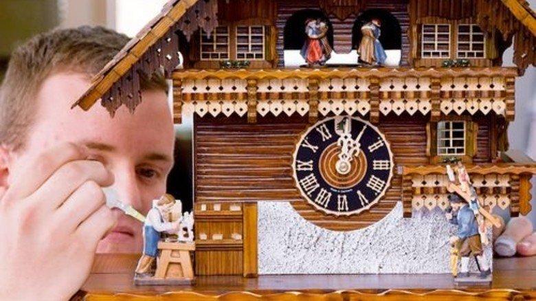 Hönes verkauft seine original Schwarzwälder Kuckucksuhren in alle Welt