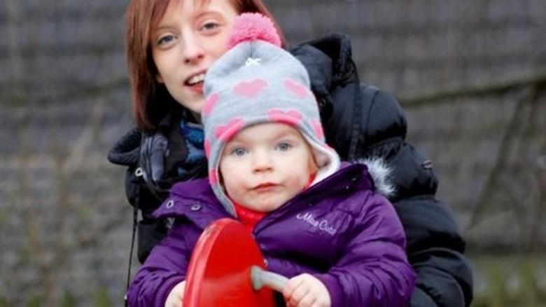 Zusammen mit Tochter Mia. Foto: Nougriat