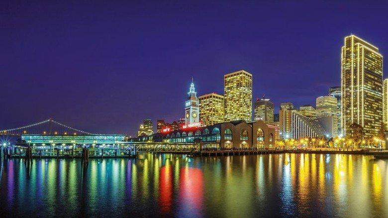 Metropole bei Nacht: Die Skyline von San Francisco. Foto: Adobe Stock