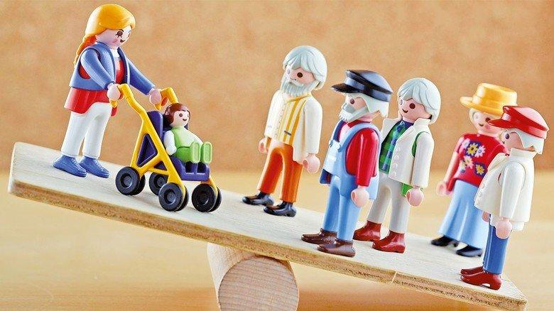 Herausforderung: Immer mehr Senioren – das belastet die Balance unserer Gesellschaft.