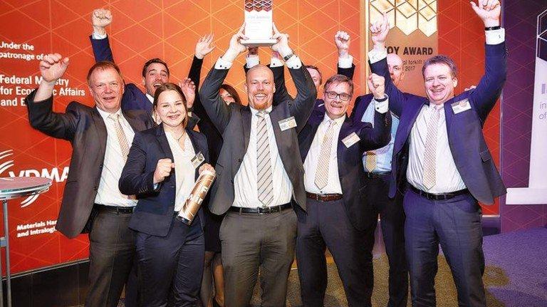 """Jubel bei Jungheinrich: Das Unternehmen erhielt den Preis in der Kategorie """"Special of the Year"""". Foto: Werk"""