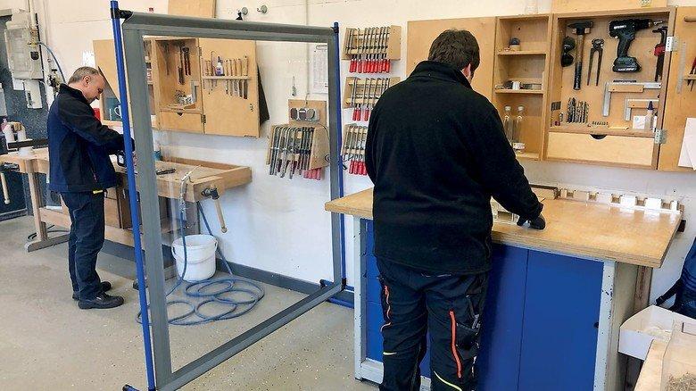 Sicheres Arbeiten: Die Hygieneschutzwände gibt es in zahlreichen Varianten – auch für Krankenhaus und Restaurant geeignet.