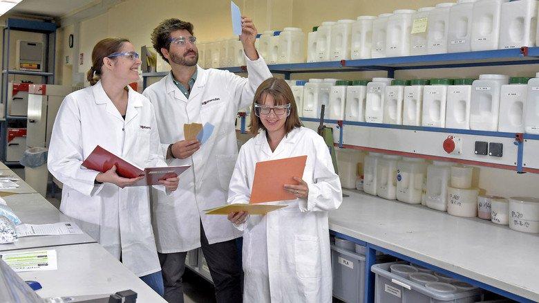 Forschung 2: Garth mit ihren Kollegen Sebastian Ames und Alicia Malek-Lutz.