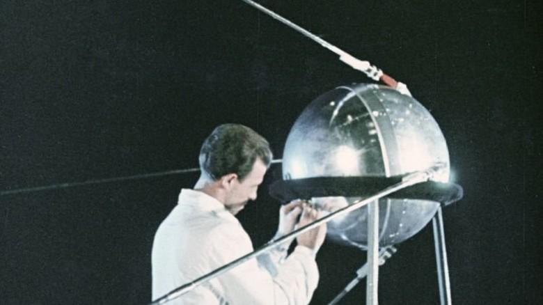 Der Sputnik: Die kleine Kugel löste den Wettlauf im All aus. Foto: dpa