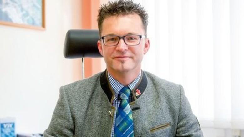 Setzt auf Grünstrom: CSU-Bürgermeister Roland Schermer von der Gemeinde Walting. Foto: Straßmeier