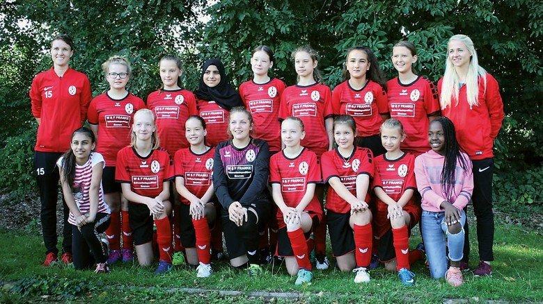 Talentierte Trainerin: Laura Woggan (links oben) mit ihrem Team.
