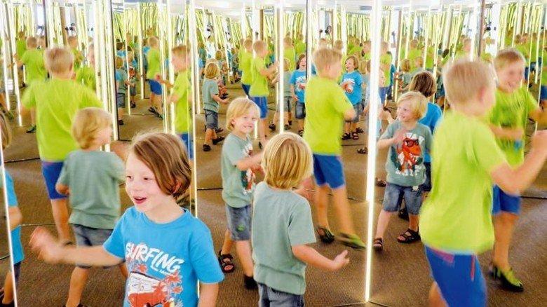 Optische Täuschung: Das Spiegelkabinett im Bayerwald Xperium. Foto: Veranstalter