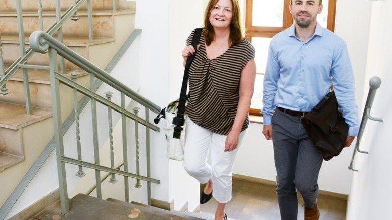 Unterwegs für den Tarifvertrag: Birgit Grunow und Daniel Hupka. Foto: Sturm