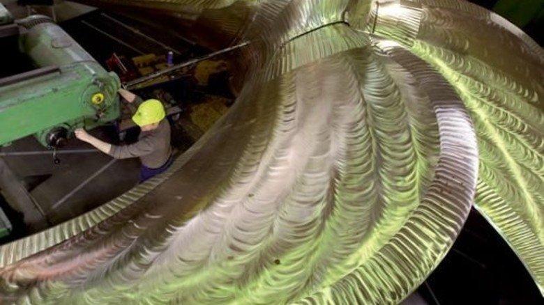 Riese mit fünf Flügeln: Diese MMG-Schraube, gegossen 2014, hat einen Durchmesser von rund zehn Metern. Foto: dpa