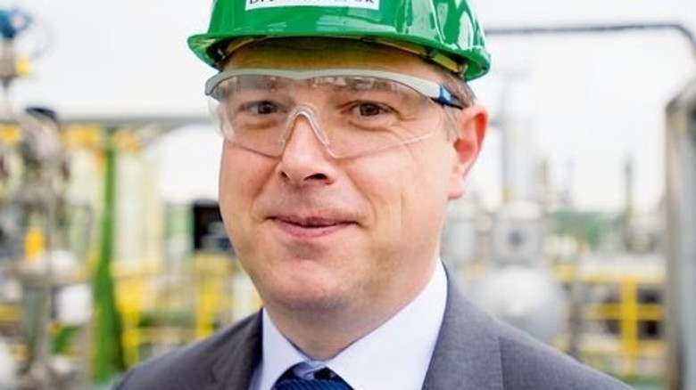 """""""Unsere Fettsäuren verbessern die Schmiermittel für Kühlgeräte und Turbinen."""" Christoph Balzarek, Chemiker und Marketingexperte für Karbonsäuren. Foto: Straßmeier"""