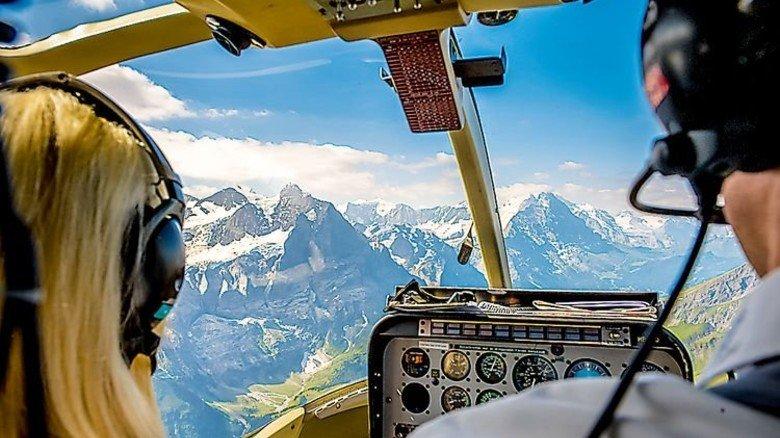 Nervenkitzel für Mutige: Schnupperflug mit dem Hubschrauber. Foto: Hubschrauberflug.de