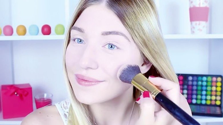 Die Süße: Youtuberin Bibi verdient angeblich 100.000 Euro im Monat mit Make-up-Tipps. Foto: Youtube/BibisBeautyPalace