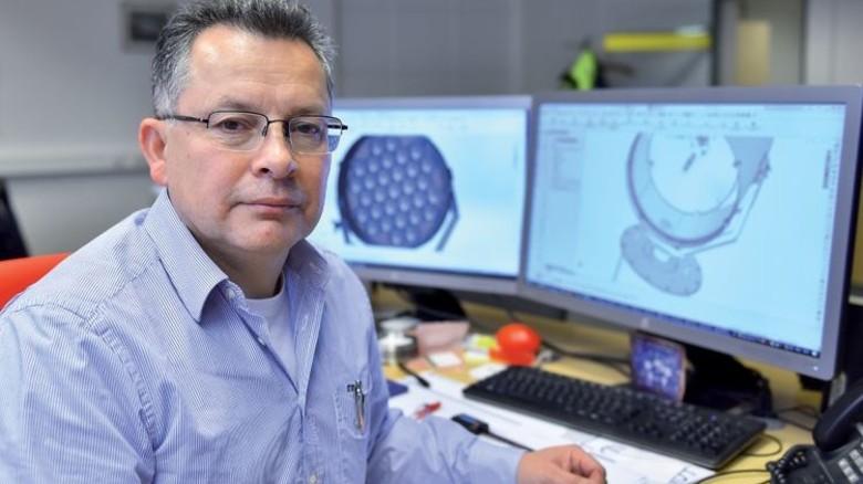 Chef der Konstruktion: José Mendoza hat das Power Panel mit seinem Team ausgetüftelt. Foto: Christian Augustin