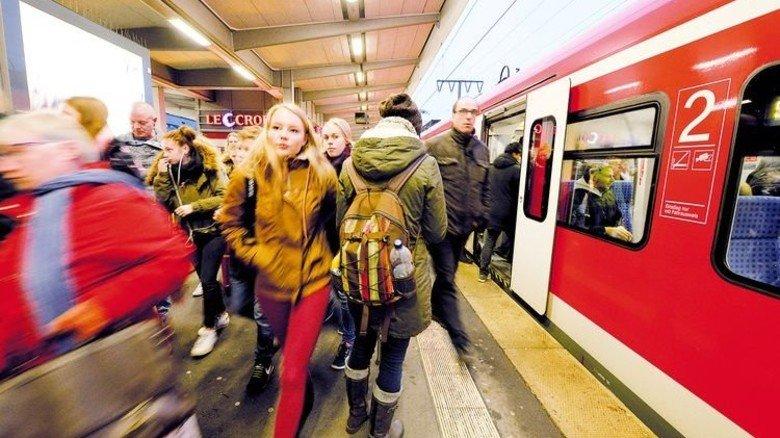 S-Bahn: Auf der Schiene klappt es besser mit der Konkurrenz. Foto: Funke