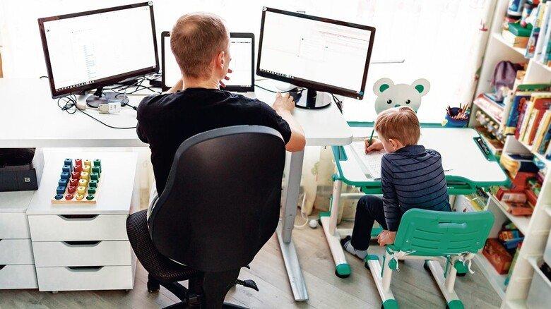 Homeoffice hat im Lockdown bei der Balance zwischen Job und Kinderbetreuung geholfen. Doch Arbeiten von zu Hause geht nicht dauerhaft und nicht bei jeder Tätigkeit.