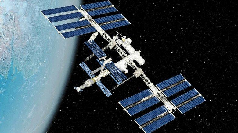 Oldie im Orbit: Seit über 20 Jahren kreist die Internationale Raumstation in 400 Kilometer Höhe mit 28.000 Stundenkilometern um die Erde. Bislang wurden auf der ISS 2.950Experimente durchgeführt.