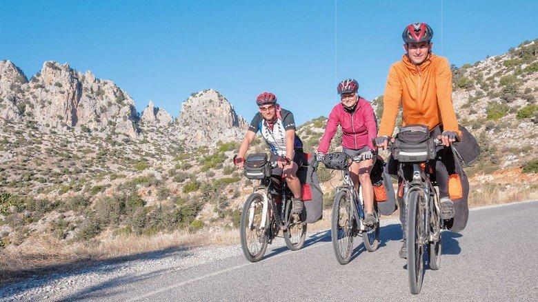 Sportlich: Diese drei pedalieren noch mit Muskelkraft allein. Doch fast jeder vierte Radtourist ist schon mit dem E-Bike unterwegs.