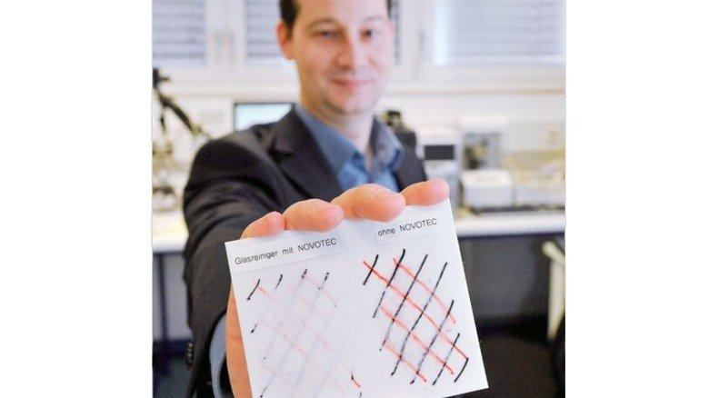 Glasklar: Matthias Reihmann präsentiert ein Probestück. Sigwart