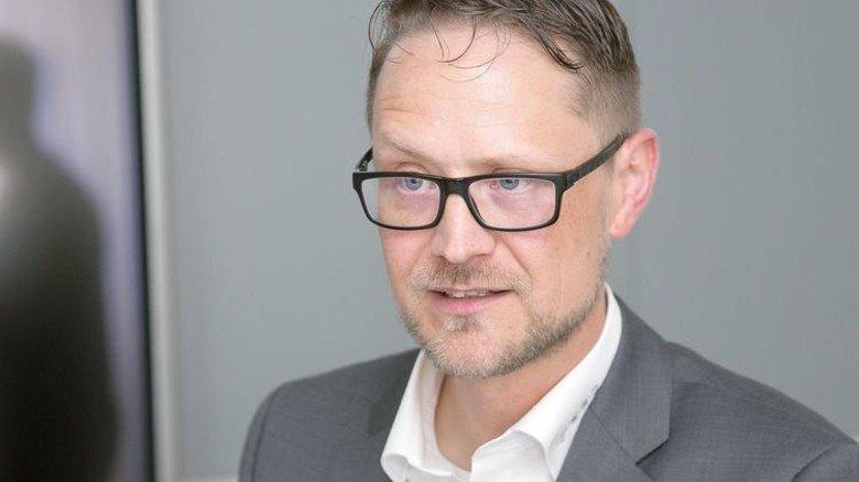 """Daniel Stricker, Leiter der Personalentwicklung bei E.G.O.: """"Die Lerninhalte werden zum Teil von den Beschäftigten selbst mitgestaltet."""" Foto: Mierendorf"""