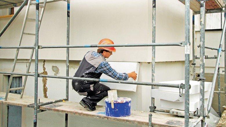 Upgrade für die Hauswand: Eine Wärmedämmung ist oft sinnvoll. Und der Staat bezahlt kräftig mit.