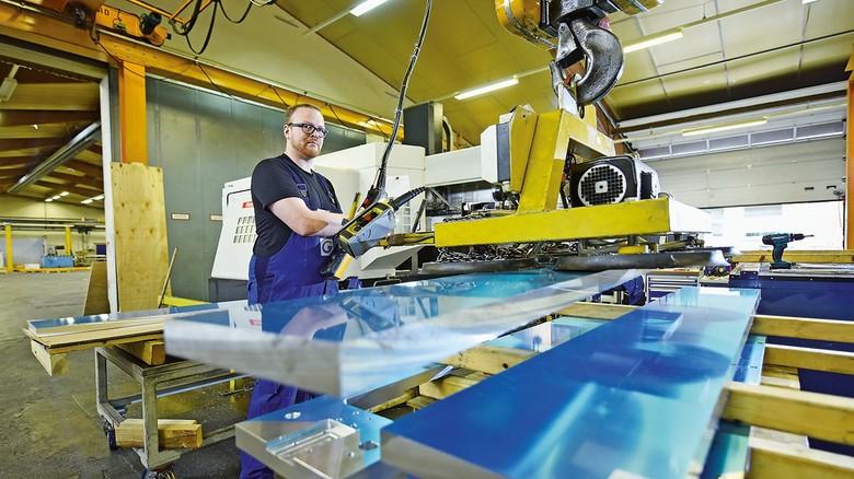 Wertschöpfung: Ein Teil des Aluminiums wird in der hauseigenen Zerspanung weiterbearbeitet.