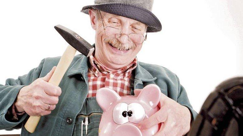 Sparschwein-Schlachtung: Ist im Alter noch genug für mich drin? Foto: Fotolia