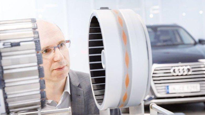 Neue Aufgabe: Audi-Ingenieur Andreas Weber verbessert die Gehäuse von Elektromotoren. Sie werden etwa im neuen e-tron eingebaut. Foto: Werk