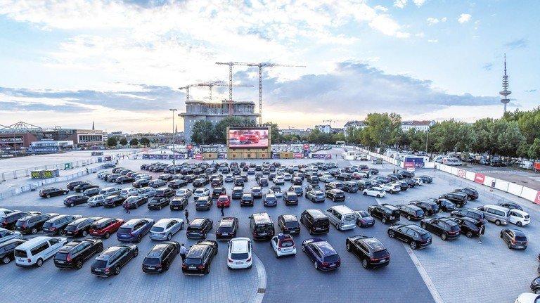Hamburg: Das Autokino auf dem Heiligengeistfeld erfreut sich größter Beliebtheit.