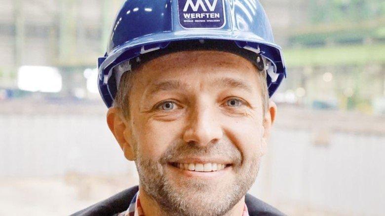 Der 2000. Mitarbeiter von MV Werften: André Settgast arbeitet als Expeditor im Bereich Materialmanagement/Logistik. Foto: Werk
