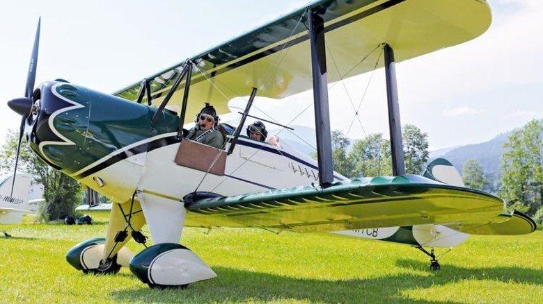 Platz in der ersten Reihe: Nostalgieflug mit dem Doppeldecker. Foto: Flugwelt.eu