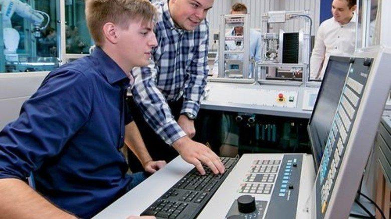 Topmodern: Ein Blick in die Lernfabrik. Foto: Mierendorf
