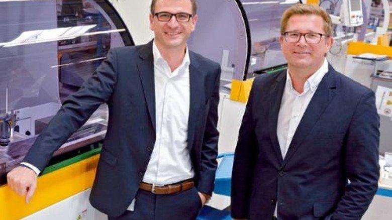 Stehen für innovative Brillenproduktion: Die Geschäftsführer René Leroux und Steffan Gold (rechts). Foto: Scheffler
