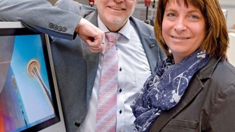 Sie investieren kräftig in den Betrieb: Geschäftsführer Klaus Dinges und seine Tochter Silke Krajewski. Foto: Scheffler