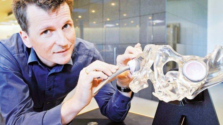 Ehrgeiz: Georg Hettich will implantierte Hüftgelenke besser machen. Foto: Sigwart