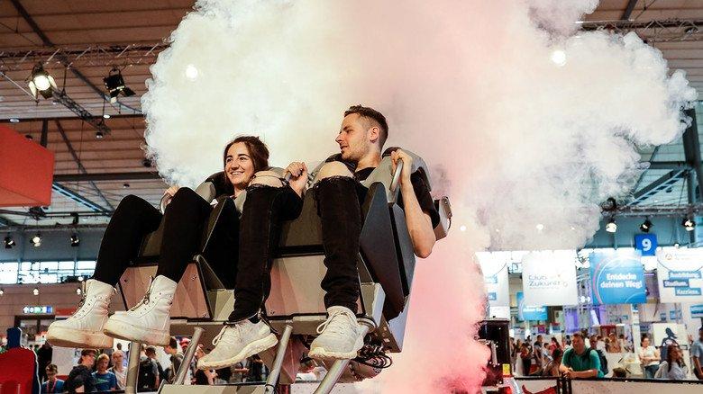 Nervenkitzel: Auf dem Robycoaster konnten sich die Gäste der IdeenExpo in Hannover in fünf Geschwindigkeitsstufen durch die Luft wirbeln lassen.
