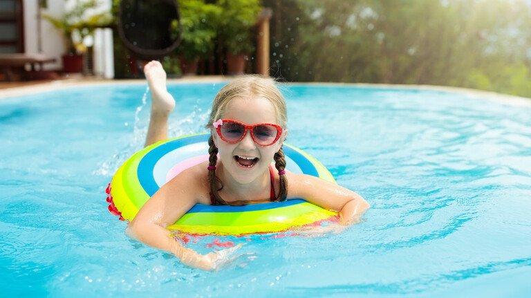 Nasses Vergnügen: Das ist auch mit einem Pool im eigenen Garten möglich.
