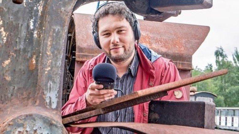 Gleich wird's laut: Konrad Gutkowski an einem Federhammer. Foto: Roth